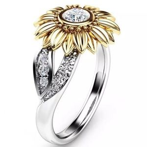 Jewelry - ARRIVED! Sterling Silver Sunflower Ring Size 7